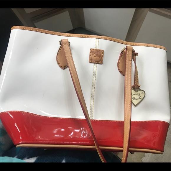 Dooney & Bourke Handbags - Great condition authentic Dooney and Bourke tote